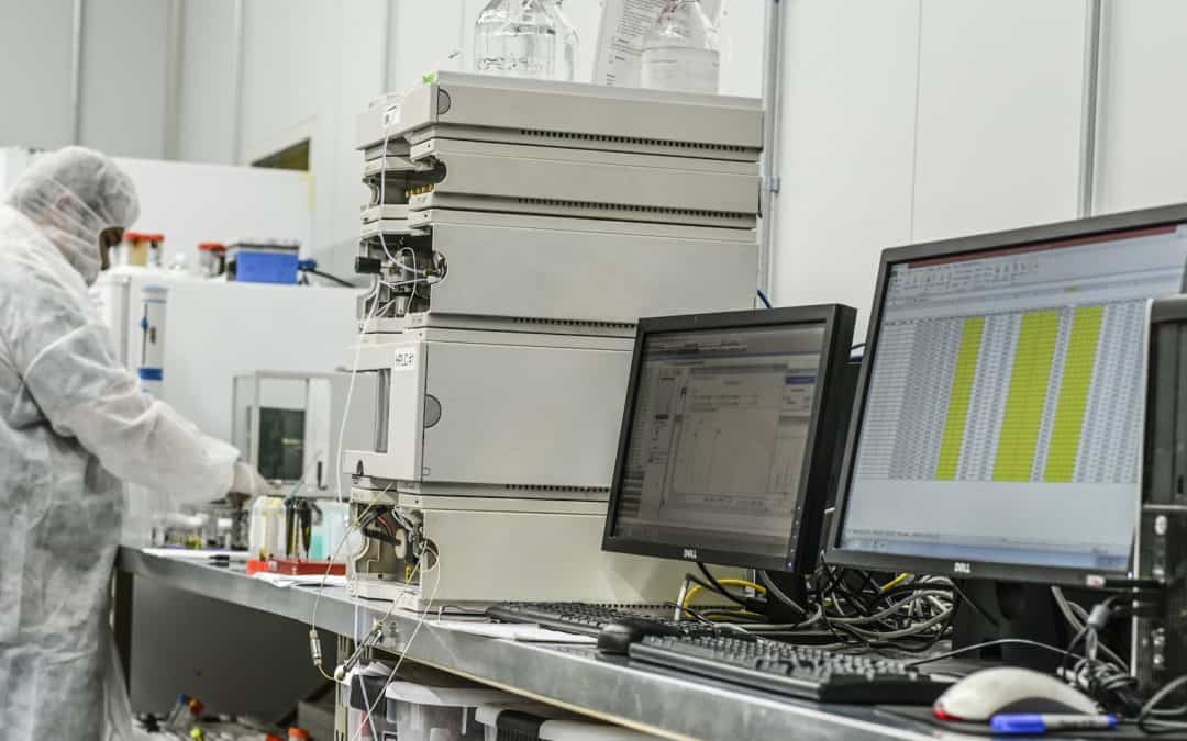 Flash Chromatography vs. Liquid Chromatography for Cannabinoid Remediation
